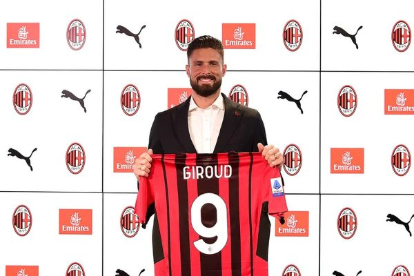 Olivier Giroud has officially made his new debut at AC Milan